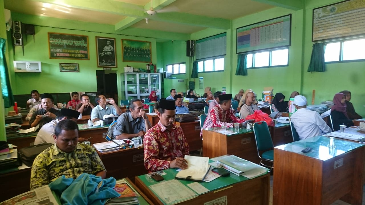 Rapat Pembinaan SMK Wachid Hasjim Maduran